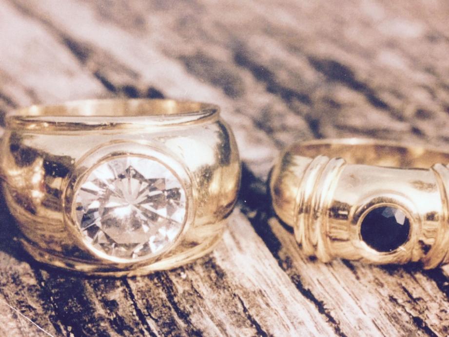 Un artisan bijoutier de Nice a été reconnu coupable d'avoir dérobé un diamant de plus de trois carats sur une bague qu'il devait modifier. Il aurait remplacé la pierre précieuse par un vulgaire zircon à 50 euros.