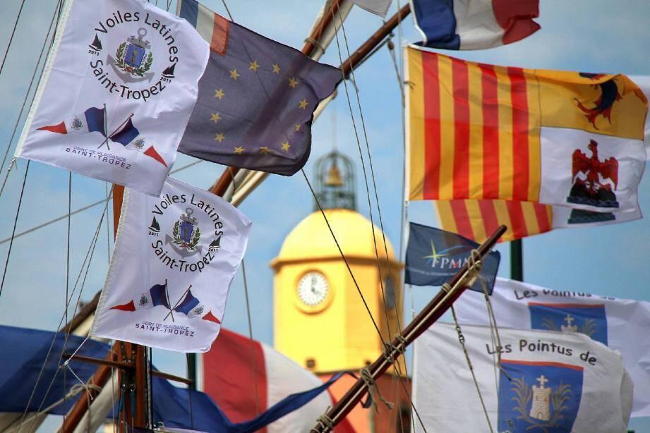 Des pavillons issus de toute la Méditerranée seront hissés sur les mâts de tradition.