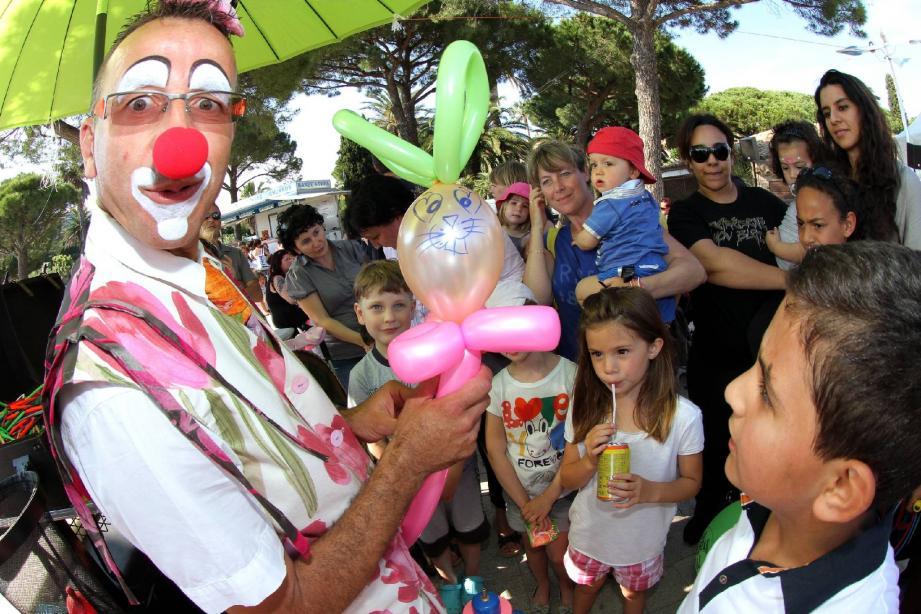 Le clown Augustin sera encore présent cette année, pour le plus grand plaisir des enfants.