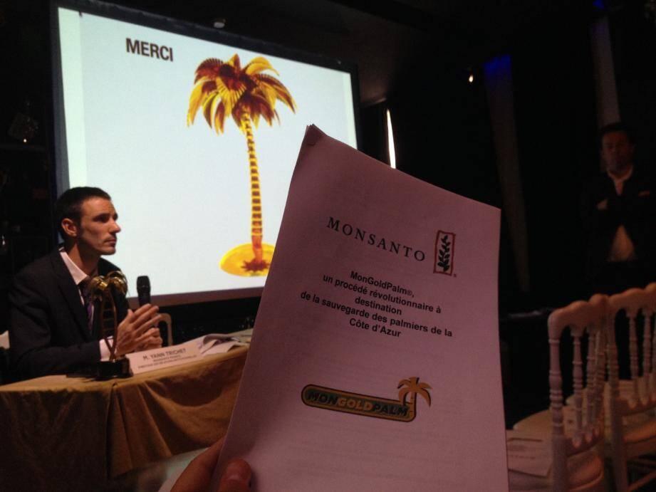 Neo green a tenu une parodie de conférence de presse pour vanter une molécule miracle capable de revigorer les palmiers de la Croisette.
