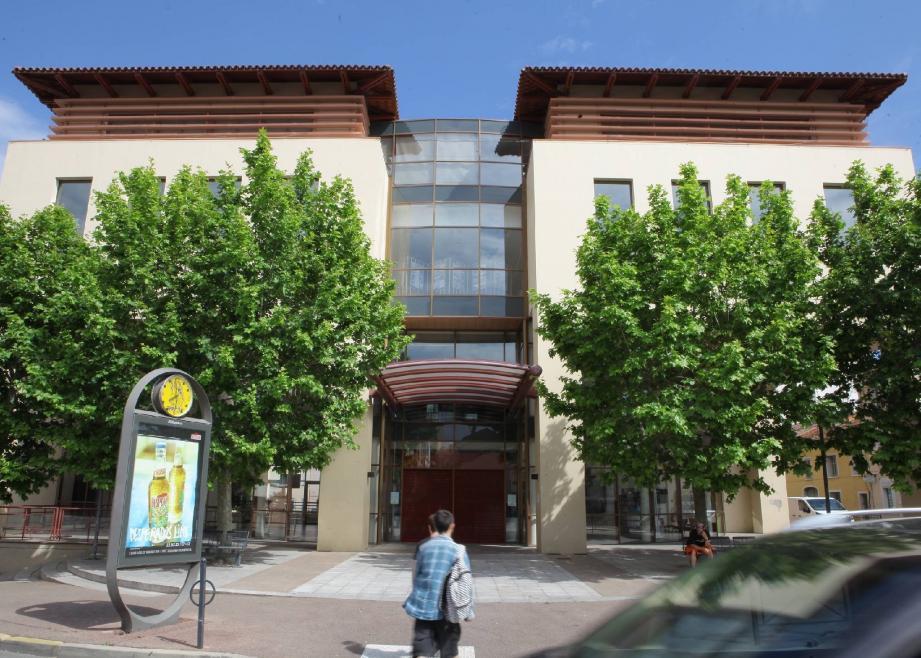 Le premier étage du centre culturel va procéder à une transformation, en accueillant notamment un « FabLab ».