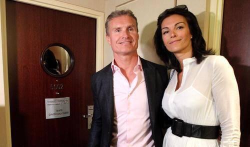 L'ex-pilote de Formule 1, entouré par sa compagne Karen Minier, a inauguré hier la suite au cinquième étage qui porte désormais son nom.