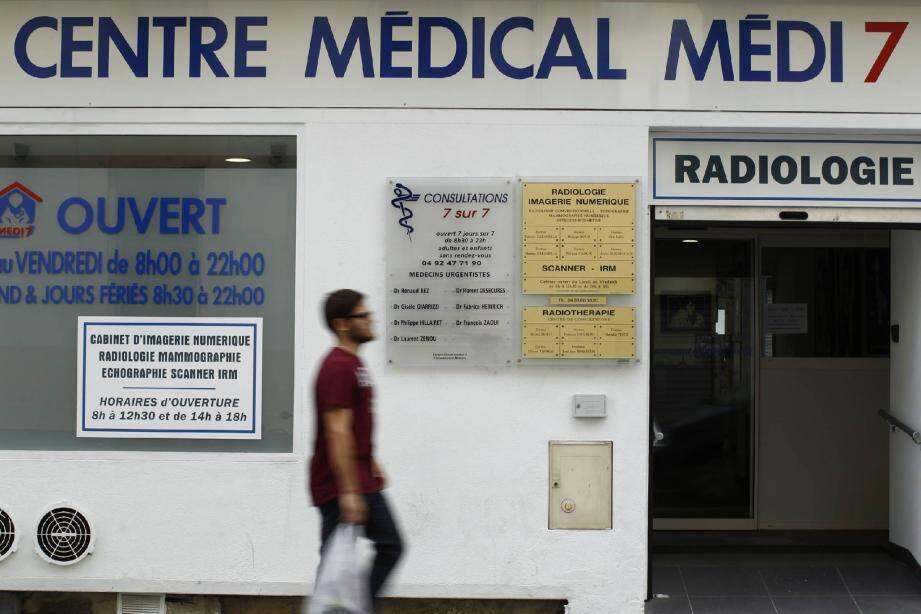 Un second cabinet regroupant cinq médecins spécialisés en médecine d'urgence et un plateau technique a ouvert ses portes dans le centre ville, rue Lamartine.