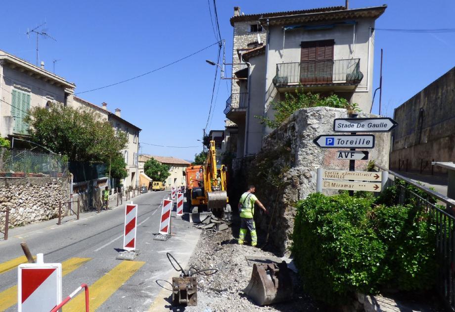 Les piétons devront cheminer au pied du Vieux Couvent, avenue Général-Leclerc, l'autre côté sera indisponible.