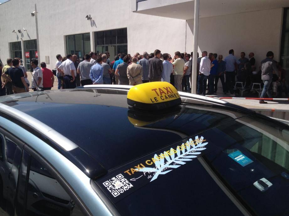 Le 17 juin, en plein cœur du Festival, les taxis cannois et azuréens avaient cessé le travail pendant une heure pour protester contre l'agression d'un collègue.