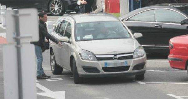 Un véhicule UberPOP à l'aéroport de Nice (photo d'illustration)