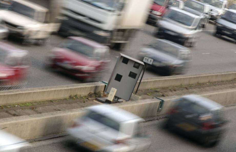 Un homme arrêté à 248 km/heure sur l'autoroute A8
