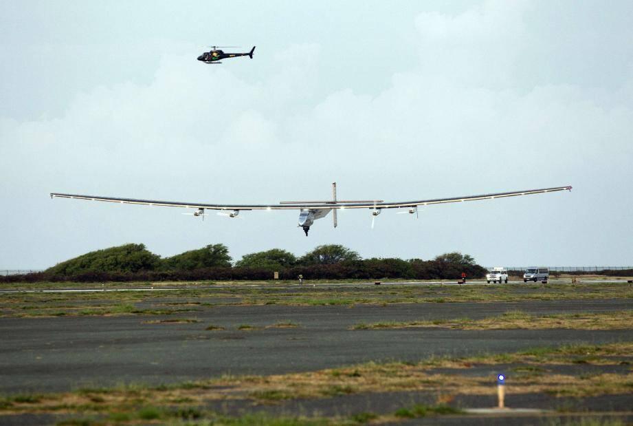 L'avion solaire piloté par André Borschberg s'est posé hier à 5 h 54 heure locale sur l'aéroport de Kalaeloa à Hawaï.