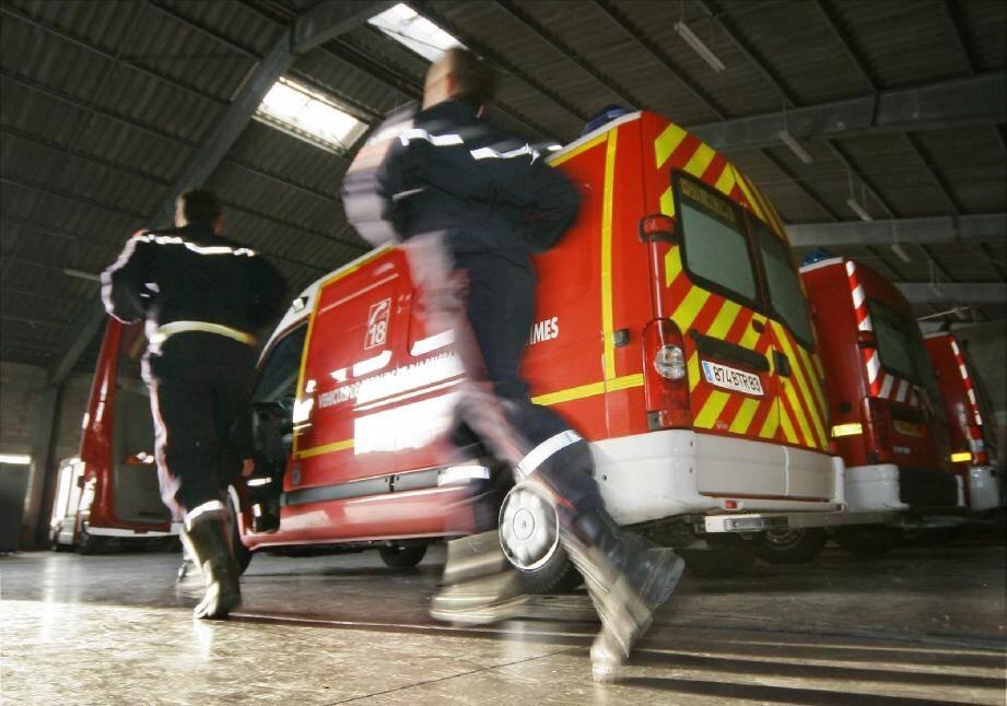 Des pompiers partent pour une intervention