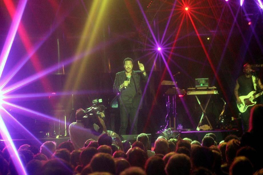 Lionel Richie, hier soir, dans la Pinède-Gould : une star sous les étoiles.