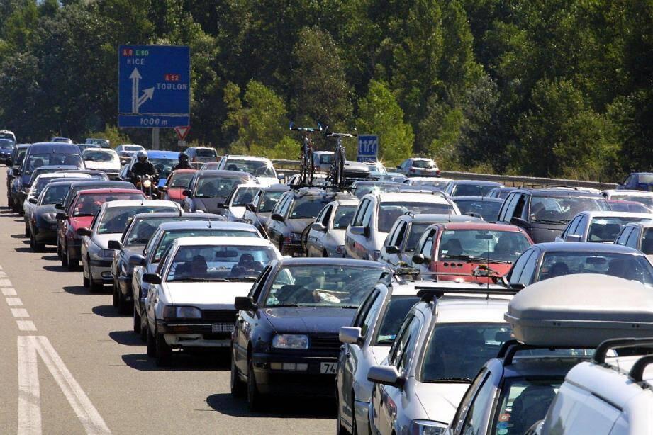 Des mesures ont été prises par la société d'autoroute Escota pour fluidifier au maximum la circulation et éviter la formation de bouchon.