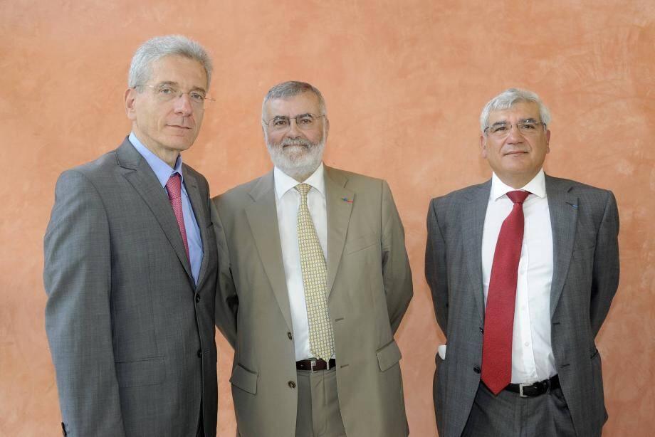 Le président du TGI de Grasse Philippe Ruffier (au centre), le préfet des A.-M. Adolphe Colrat (à gauche) et le procureur de la République Georges Gutierrez.
