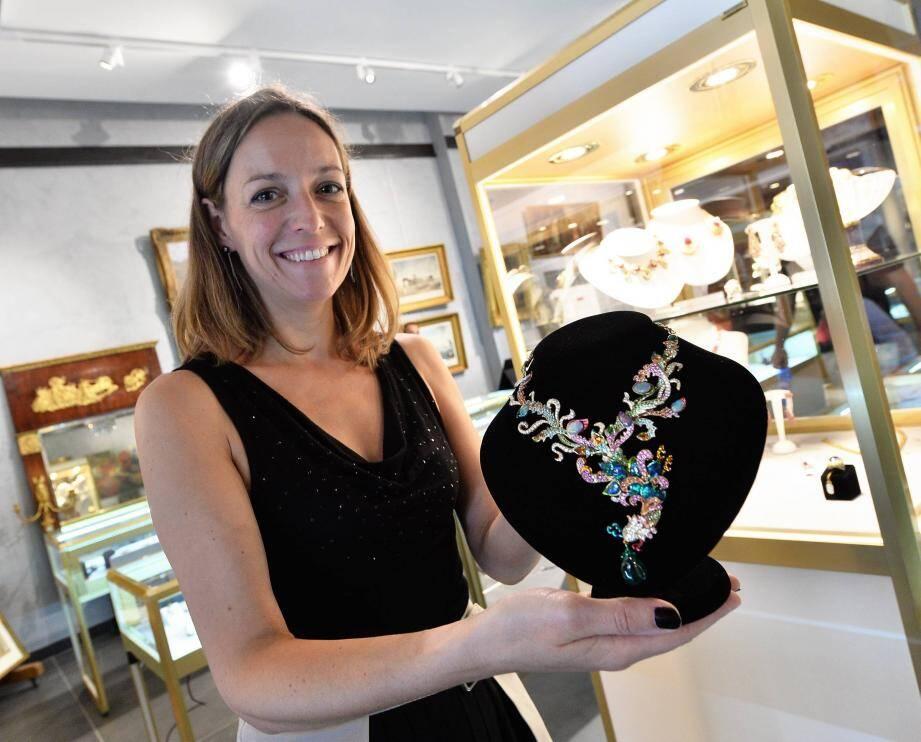 Parmi les pièces impressionnantes présentées par l'Hôtel des ventes de Monte-Carlo, ce sautoir de la maison Dior estimé à 150.000 euros.