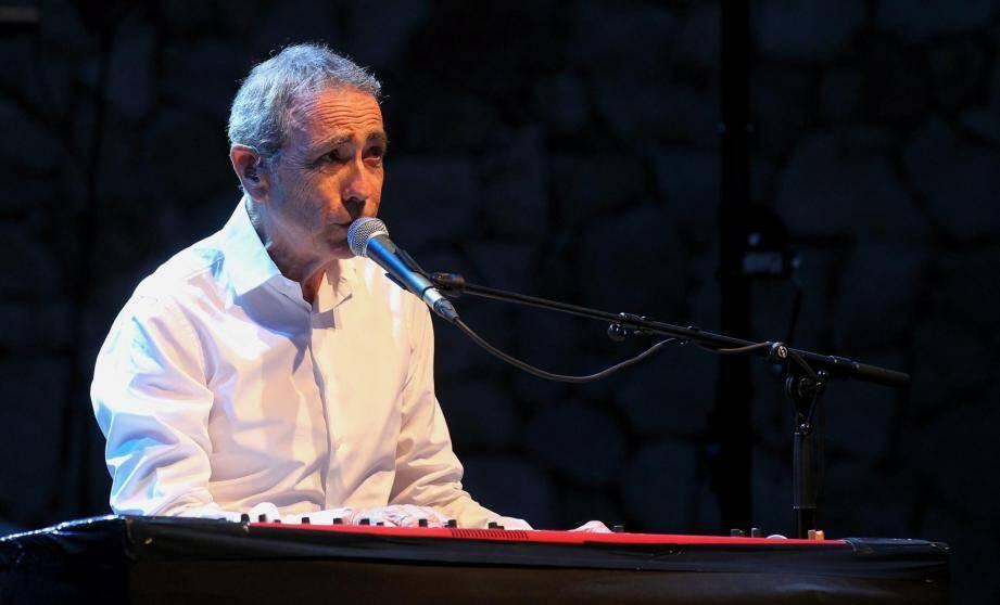 Alain Chamfort, ici en concert à Mandelieu, l'été dernier.