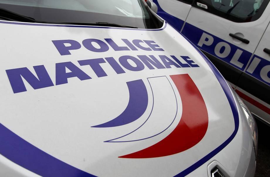 Illustration police deux voitures