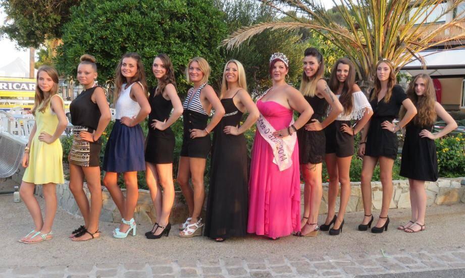 Dix jeunes femmes ont participé au concours organisé par le 5e Événement, avec la participation de Miss Ronde côte d'azur 2014.
