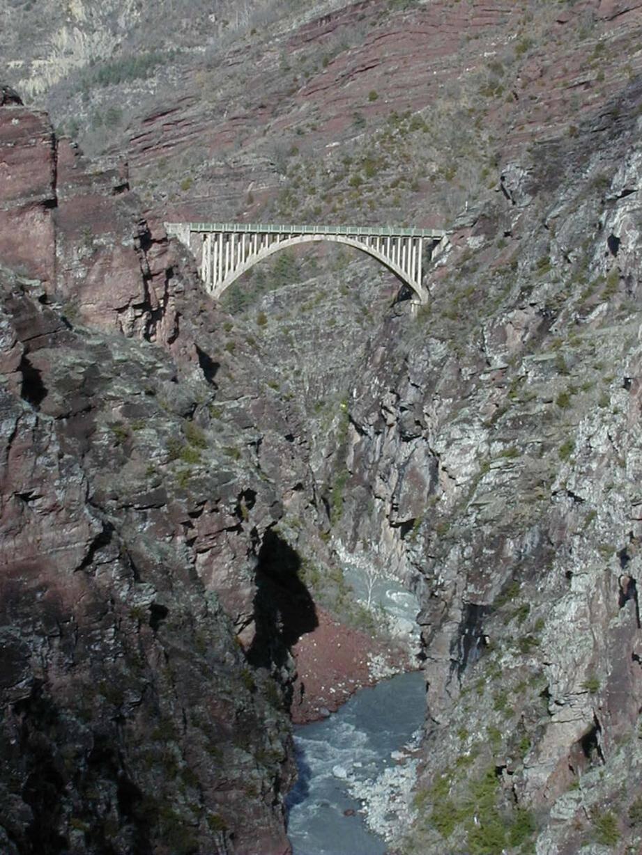 Une vue vertigineuse du pont de la mariée.