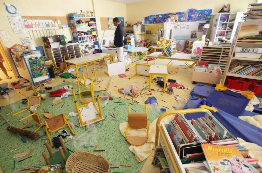 Trois jeunes mineurs, soupçonnés d'être impliqués dans les actes de vandalisme perpétrés ces derniers jours dans plusieurs écoles de Nice et de Saint-Laurent-du-Var, ont été interpellés.