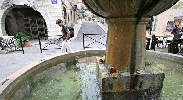 place aux aires grasse illlutration fontaine 150810