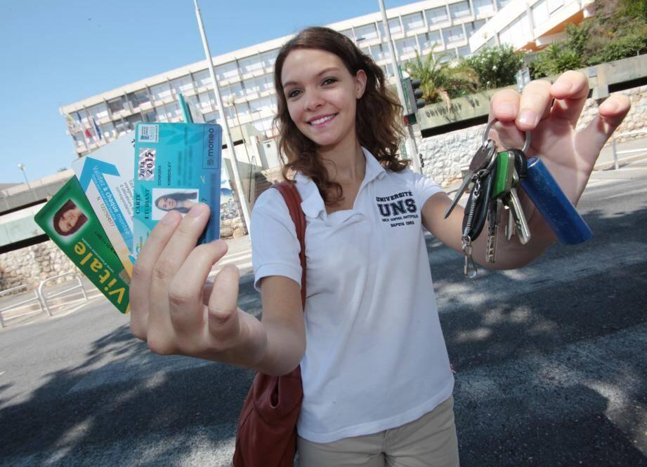 Kimberley, 19 ans et étudiante à Nice, a gentiment accepté de jouer les modèles pour illustrer les coûts de la vie étudiante calculés par la Face06.