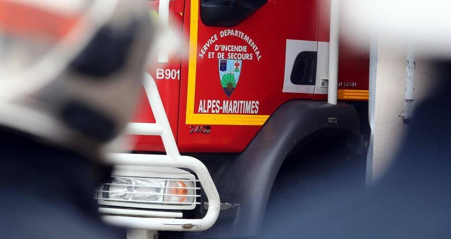 Illustration d'un camion de pompier des Alpes-Maritimes