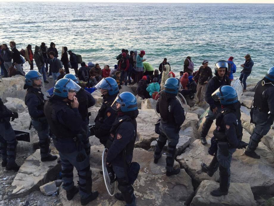 Évacuation des migrants à Vintimille