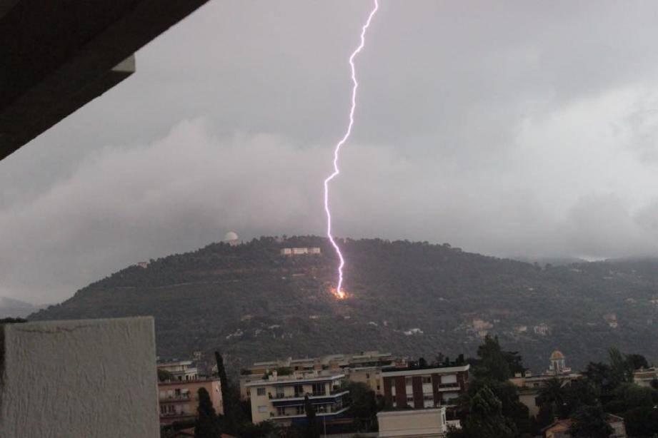 Des orages très violents ont balayé le départ - 29580544.jpg