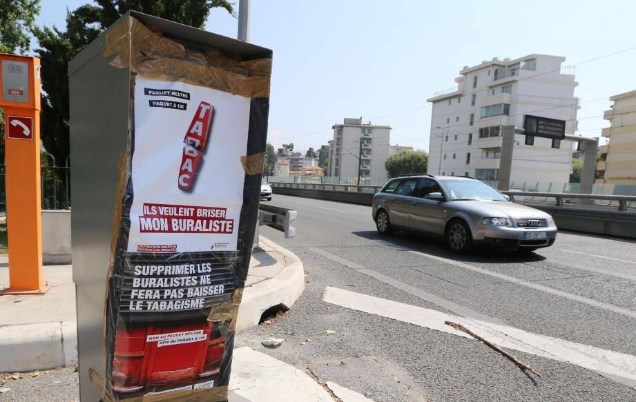 Déjà, en juillet, sur la voie rapide, à Nice, plusieurs radars fixes avaient été la cible des buralistes en colère.