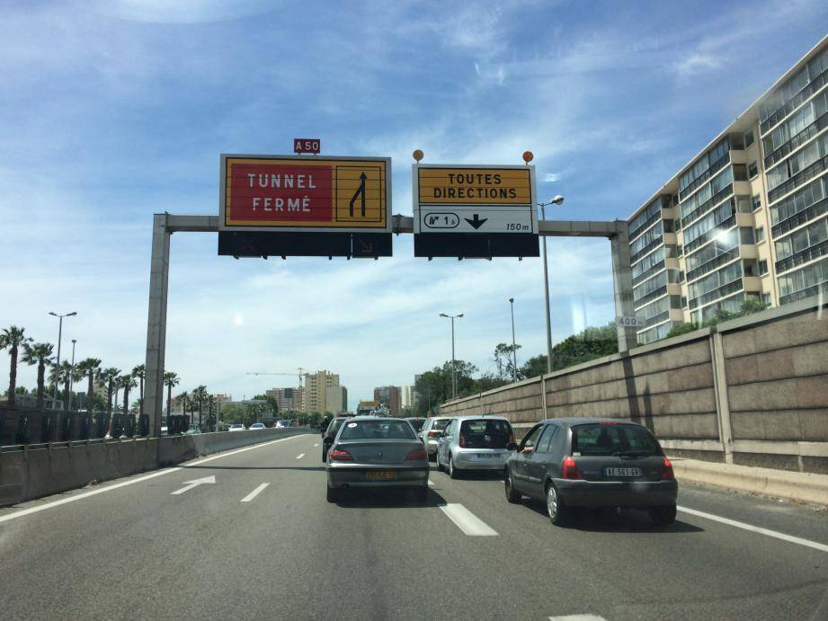 Le tunnel nord de Toulon fermé à la circulation.