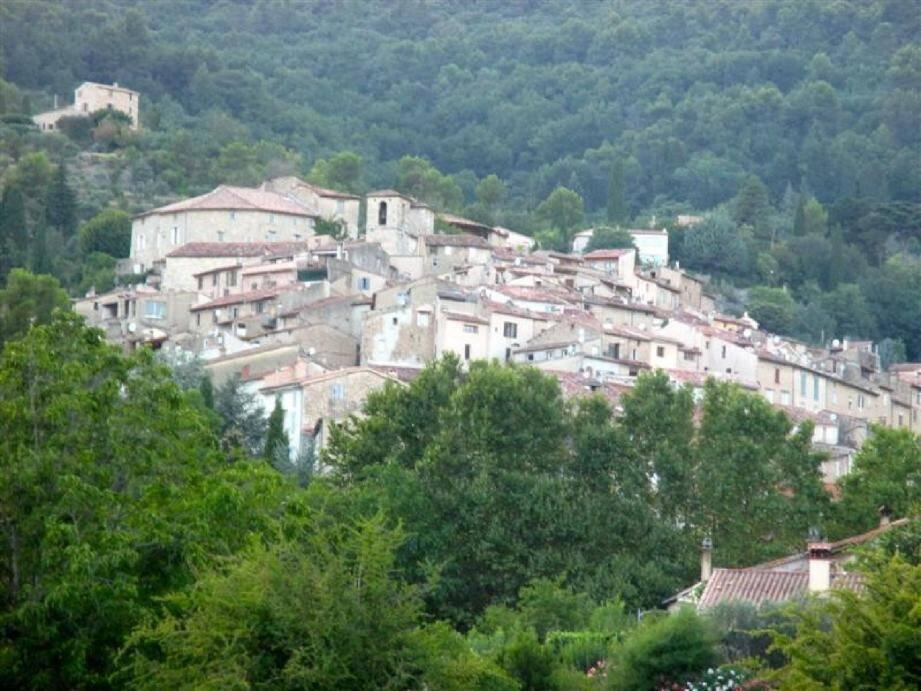 Le village de Seillans.