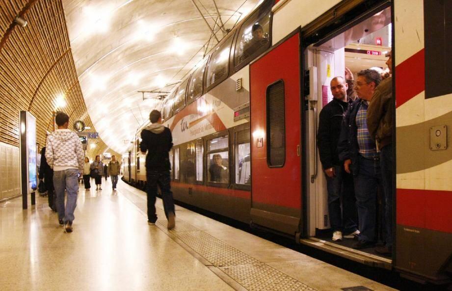 La rame TER Monaco était  à Lyon « pour main - 30079222.jpg