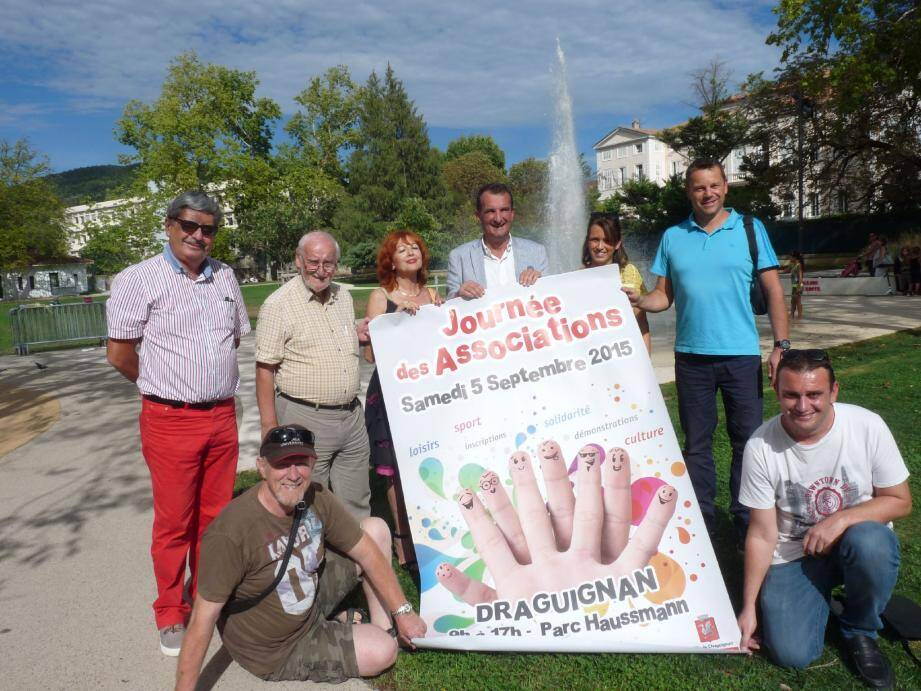 Mercredi, l'équipe municipale épaulée par des représentants de l'agglo et d'associations a présenté officiellement la journée des associations, dans l'enceinte du parc Hausmann.