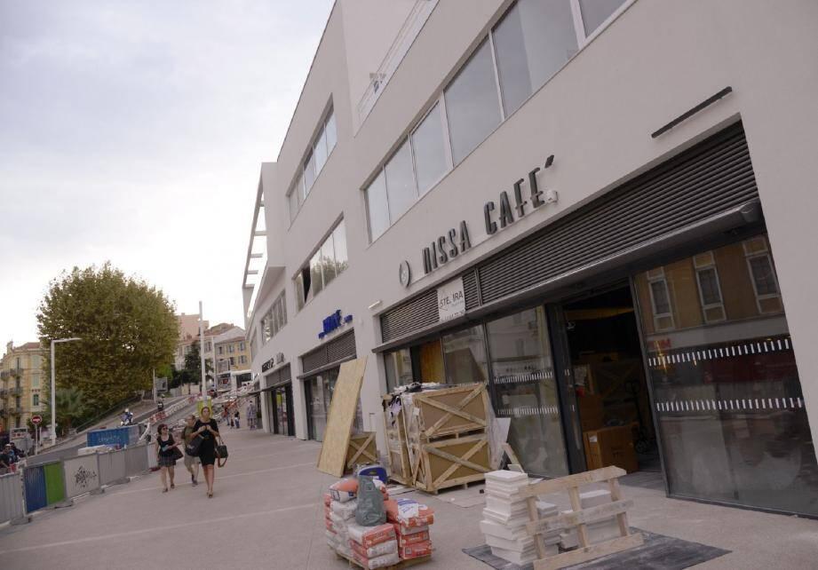 Le futur Nissa Café : pas encore ouvert, mais déjà critiqué. du moins le nom.