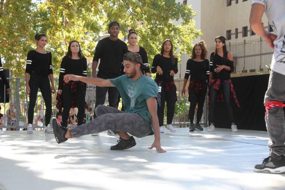Les battle (ou batailles) permettent aux danseurs de s'affronter tour à tour.