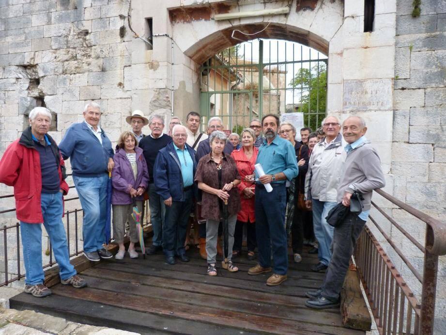Les défenseurs du fort Saint-Antoine dénoncent la remise en vente du fort Saint-Antoine.