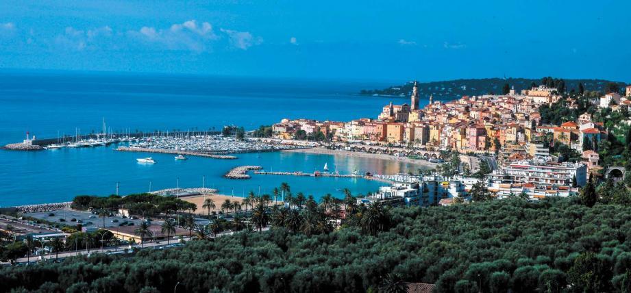 Vue de Menton, à la frontière orientale de la Côte d'Azur