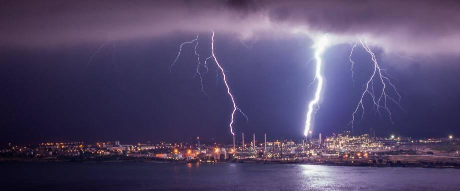 Le Var est concerné par de fortes précipitations, parfois orageuses, entre samedi midi et dimanche midi au plus tôt.
