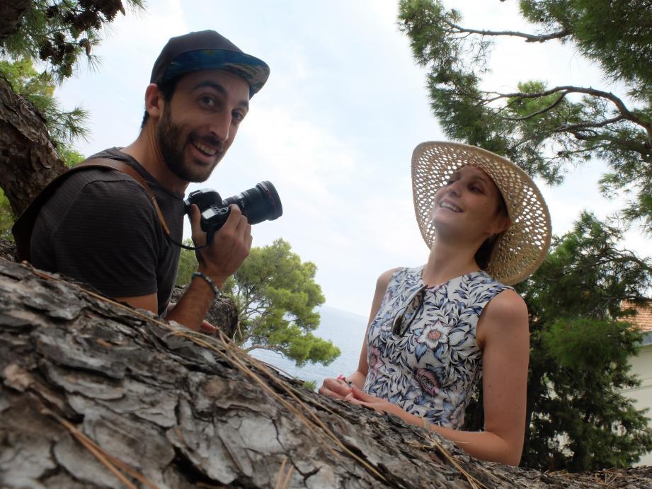 Maxime Coquard et Elisa Détrez, spécialistes des réseaux sociaux, sont venus aider Cap-d'Ail à prendre le « tournant digital ».