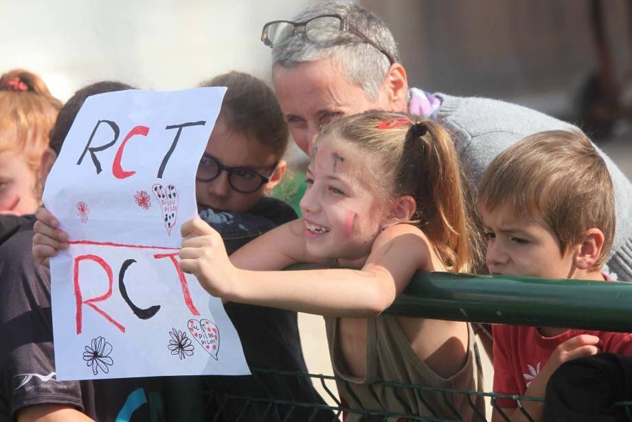 De jeunes supporters sont venus soutenir le RC Toulon, en séance d'entraînement publique.