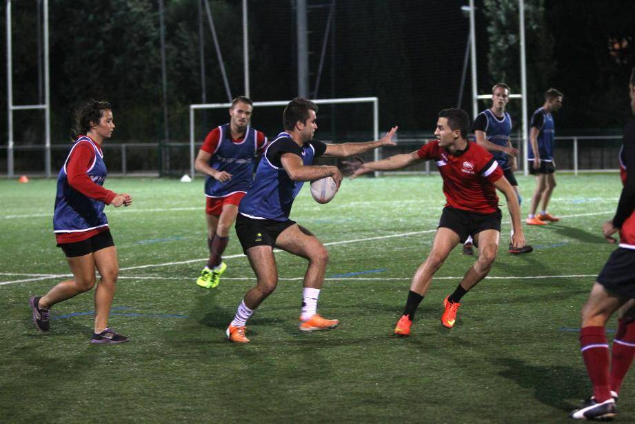 Touch Rugby au stade Leo Lagrange