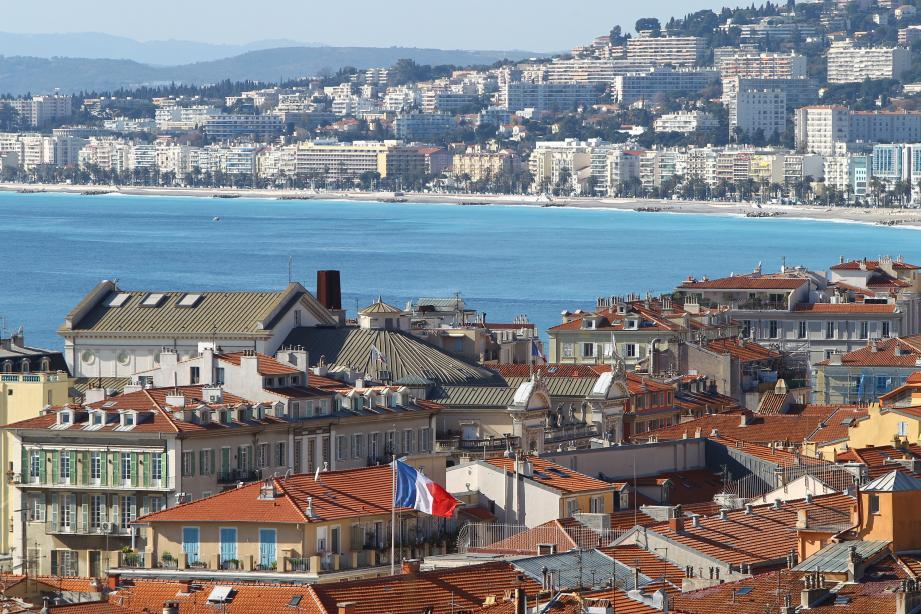 Une vue de Nice et de la baie des Anges.