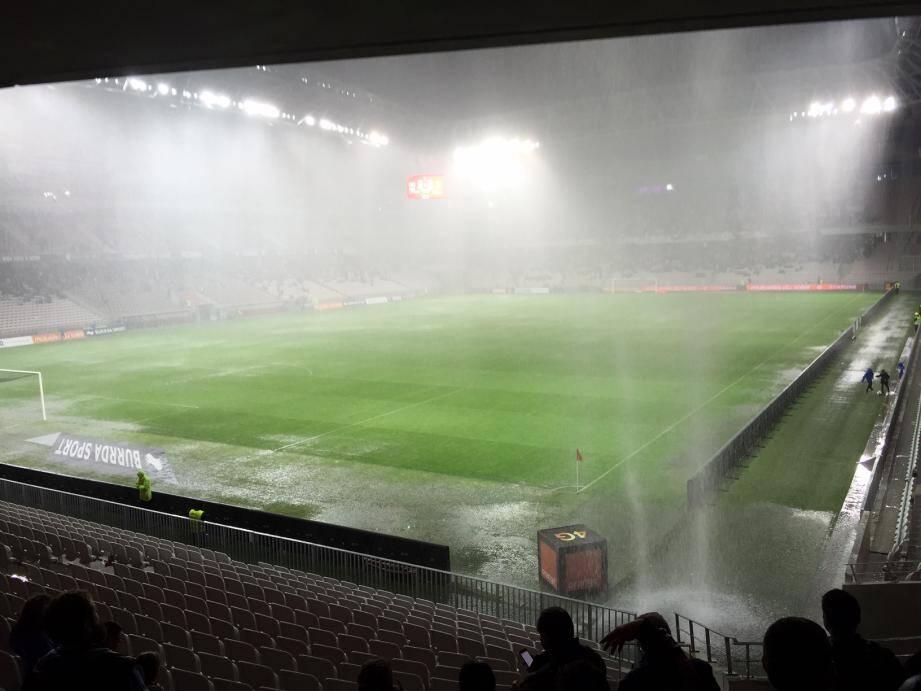 L'Allianz sous des trombes d'eau ce samedi lors du match Nice-Nantes