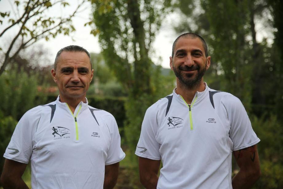 A peine débarqués des cent kilomètres de Millau, Cyrille Bourhis et Olivier Brun n'ont qu'une idée en tête : y retourner et emmener avec eux une bande de copains et copines.
