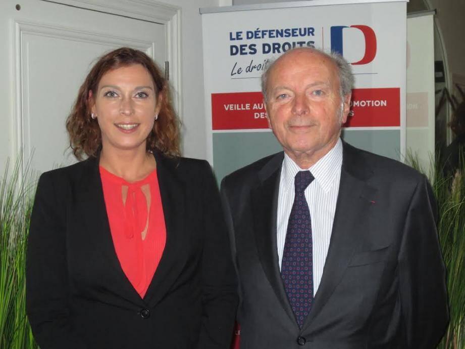 Anne Eastwood, Haut Commissaire à la protection des Droits, des Libertés et à la Médiation, et Jacques Toubon, à Paris.(D.R.)