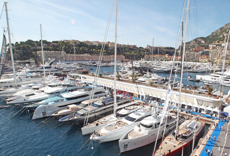 Yachtster met à disposition 55 yachts sur la Riviera.