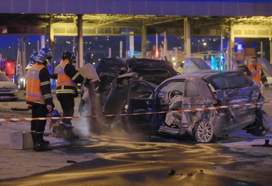 Un camion fou, immatriculé en Roumanie, avait pulvérisé le péage de Saint-Isidore. Bilan: 1 mort et 4 blessés graves.