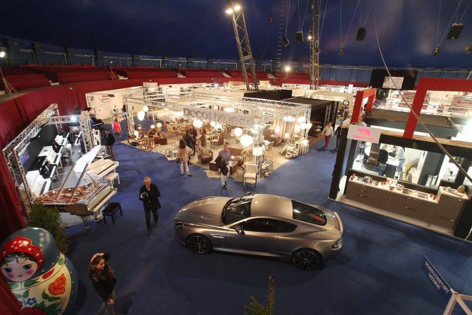 ¿PHOTOPQR/NICE MATIN ; Monaco le 21/10/2015 - Inauguration et ouverture de la foire internationale de Monaco sous le chapiteau de Fontvieille - La Russie est a l'honneur cette annee. 2015/10/21. International Fair of Monaco.