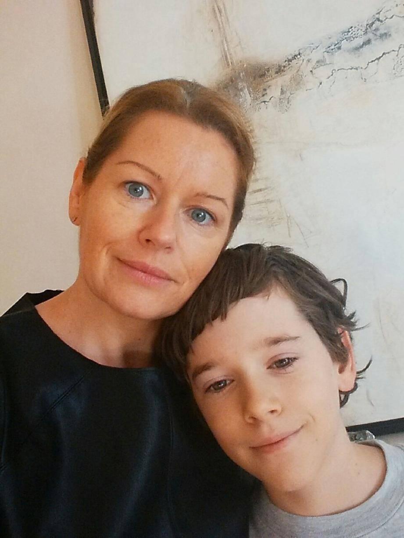 Véronique Debouver a enfin retrouvé son fils Ulysse et le sourire, hier. Elle l'a attendu jusqu'à 5 h 15 du matin alors que son arrivée était prévue la veille à 19 h 37.
