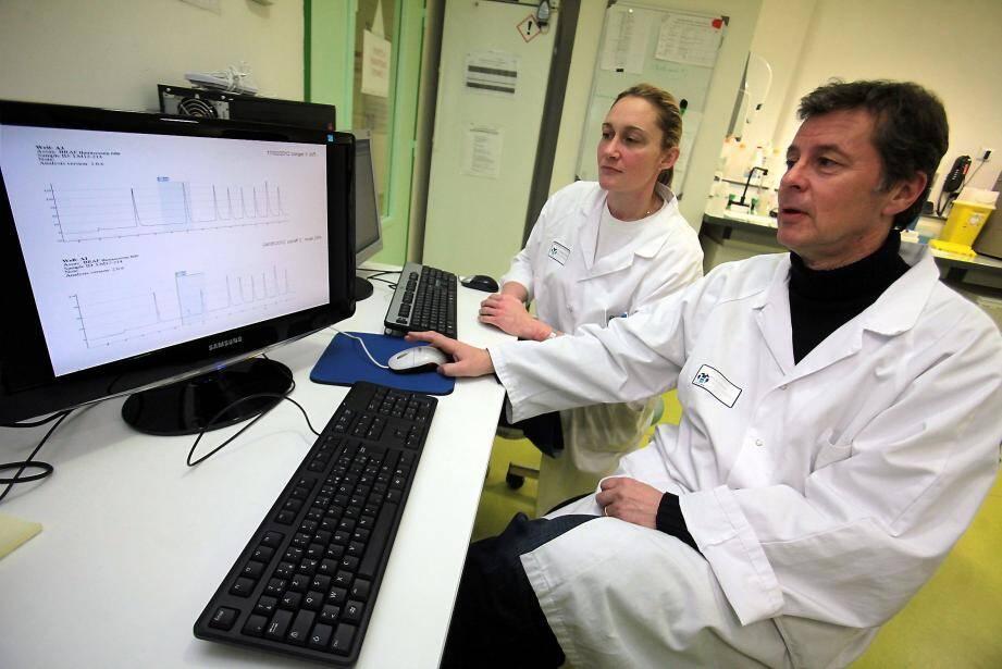 Une équipe niçoise menée par le professeur Hofman a mis au point un test sanguin permettant la détection d'un cancer du poumon, avant même qu'il soit visible en imagerie.