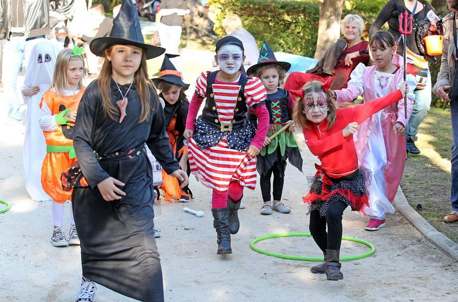 L'esprit d'Halloween s'est répandu samedi comme une traînée de sang dans les rues de Monaco. Et la gourmandise qui va avec